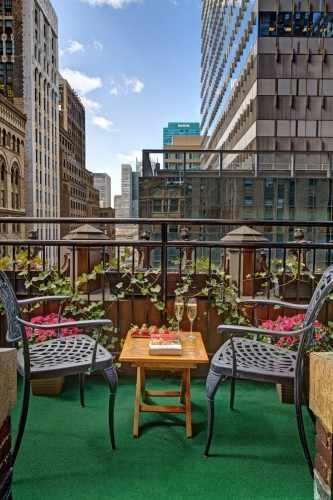 The Love Room terrace offers views of the New York Public Library and Madison Avenue.